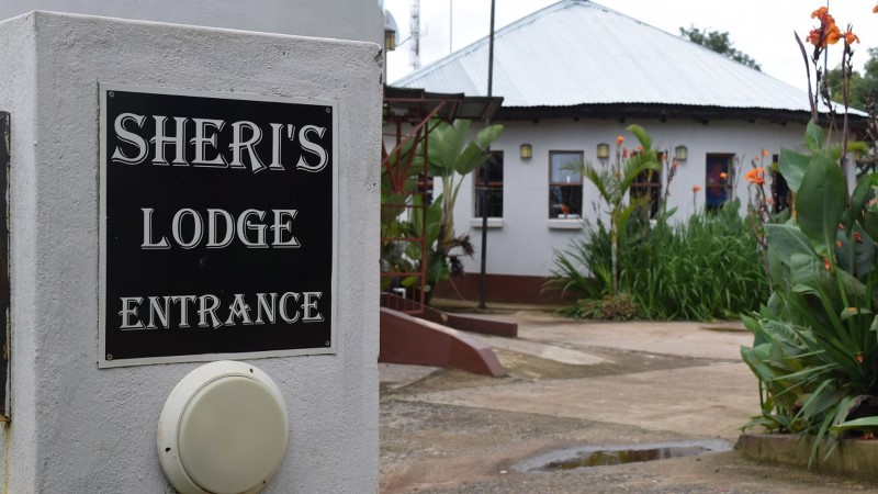 Sheri's Lodge and Backpackers